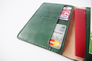 Leather Passport Holder - Green