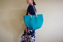 Studio Tote Medium - Peacock