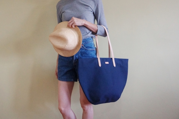 Studio Tote Medium - Navy Blue