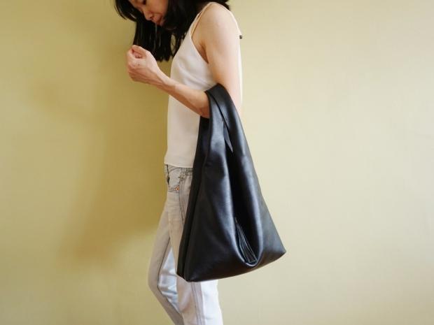 Leather Hobo Bag Black (1)